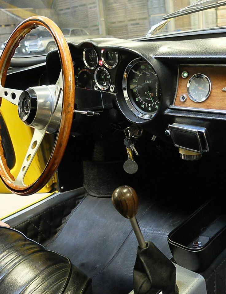 Renault Alpine A110 dash
