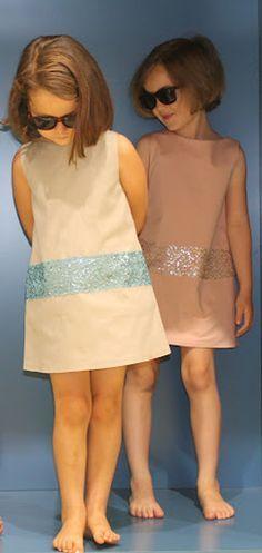 Ideal para ceremonia las prendas de siluetas acampanadas con aplicaciones de lentejuelas. Si quieres ver más prendas de ceremonia descubrelas en www.yosolito.es