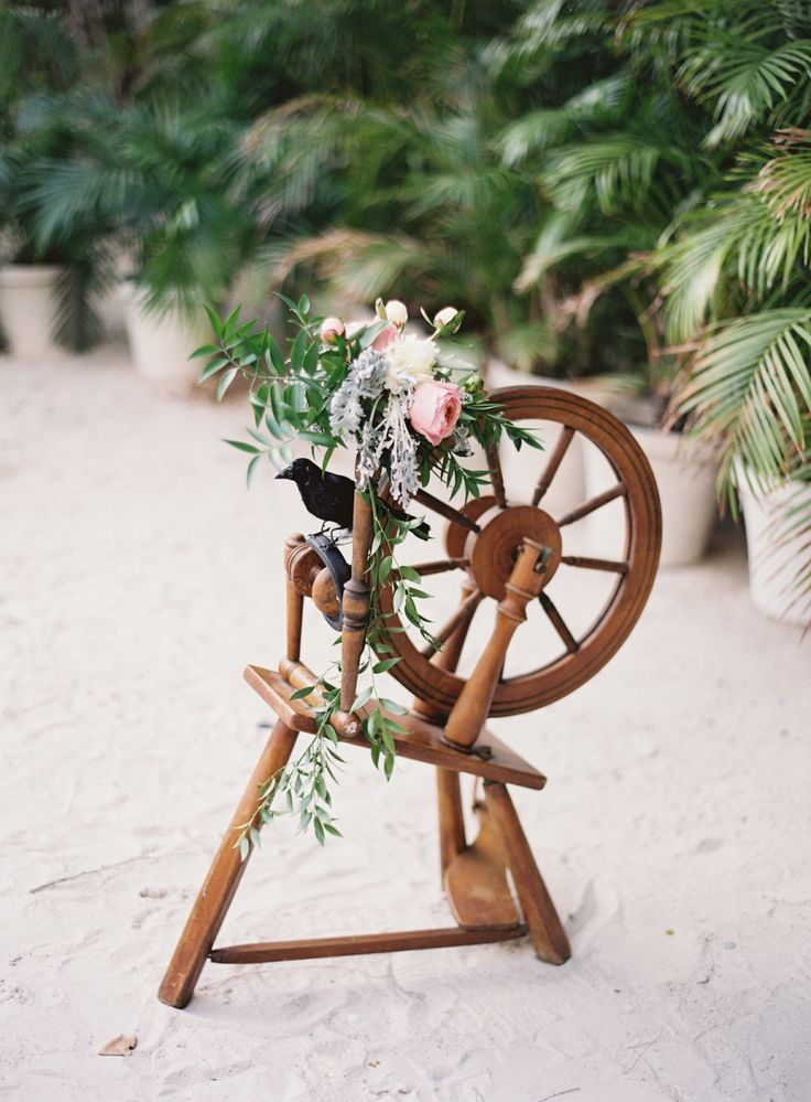 This Disney Inspired Wedding Is the Ultimate Fairytale  Photography : Ozzy Garcia Read More on SMP: http://www.stylemepretty.com/2016/05/13/this-disney-inspired-wedding-is-the-ultimate-fairytale/