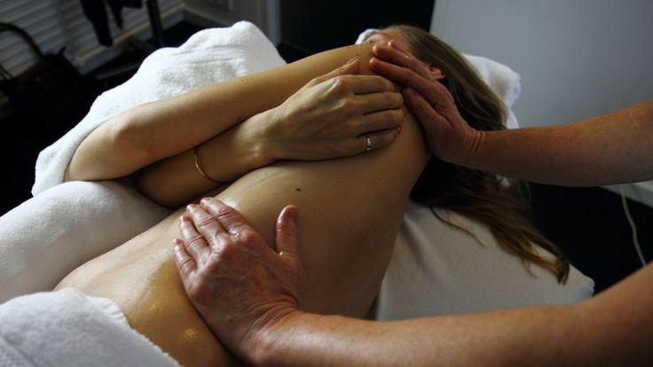 Interessante blog over de voordelen van zwangerschapsmassage. Beautiful pics by Christiaan de Roo (copyright).