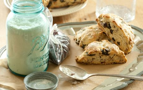 Scone mix makes an easy and fun holiday gift from the kitchen. The whole batch (dry ingredients only) fits perfectly in a 1-quart mason jar. Package for gift giving with our downloadable gift tag. *There is a link for the printable recipe at the end of the recipe for the scone mix.