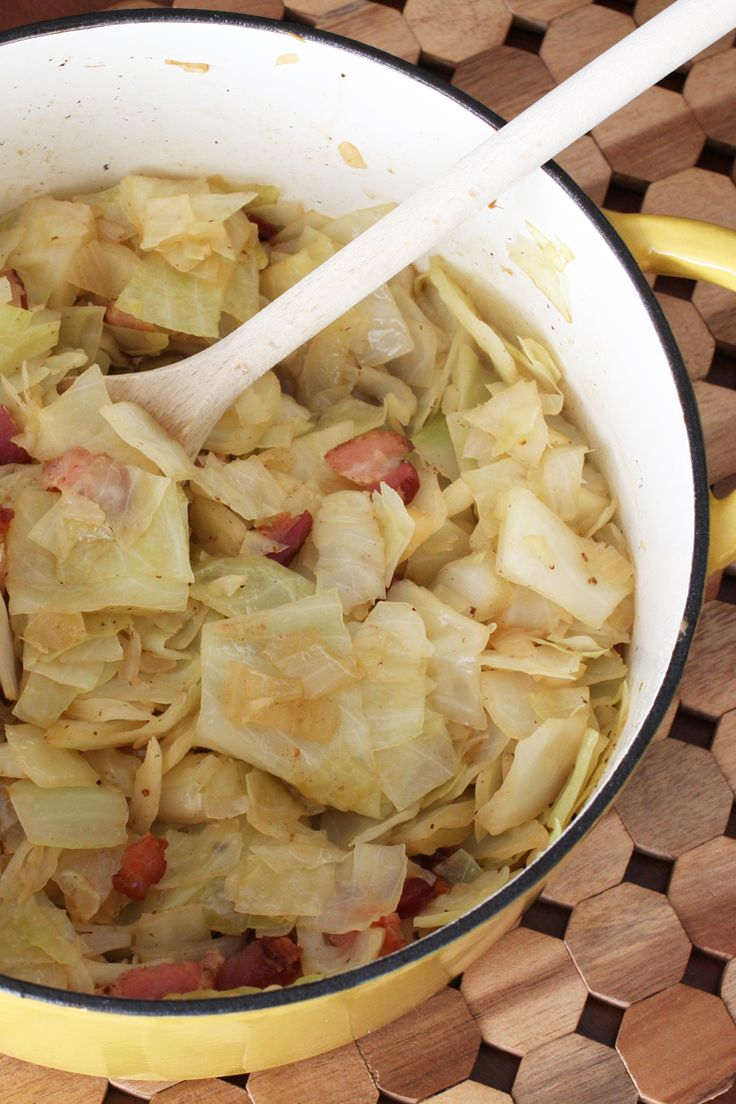 Very Easy and Few Ingredients: Boiled Cabbage with Bacon http://southernfood.about.com/od/cabbagerecipes/r/boiled-cabbage-with-bacon.htm