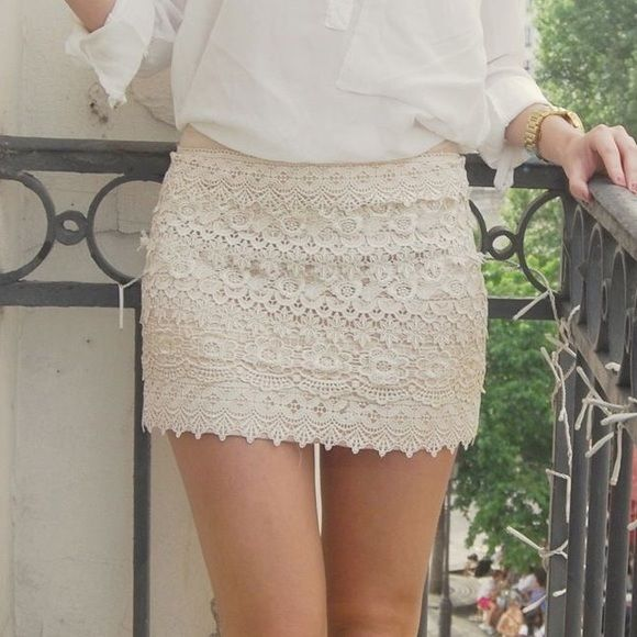 HOST PICK // Cream Lace Skirt NWT cream // lace // brand new with tags Skirts Mini