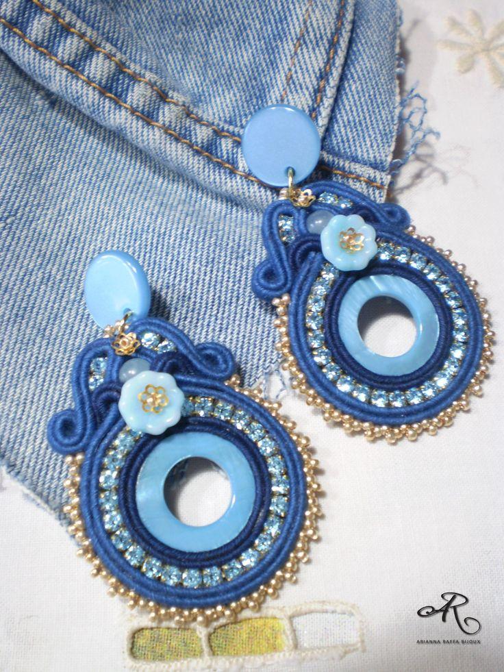 """Orecchini soutache """"jeans"""" con strass, componenti in madreperla e vetro..."""