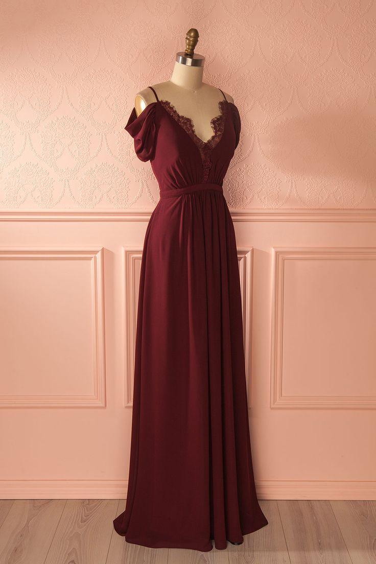 Robe maxi bourgogne avec décolleté plongeant en dentelle - Burgundy maxi dress with lace plunging neckline