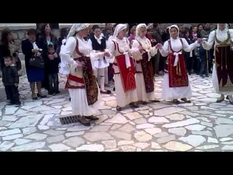 Αράχωβα-Πανηγυράκι 2014 : Τερματισμός δρόμου και χοροί στο Λ.Μ.Α. (Βίντεο και φωτό) - YouTube