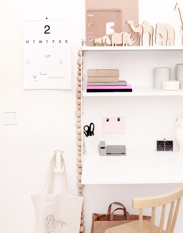 weekday carnival.: Dreams Offices, Offices Inspiration, Soft Pink, Offices Spaces, Interiors Design, Workspaces, White Office, Offices Decor, Home Offices