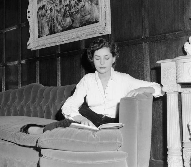 Barbara Walters, 1953.