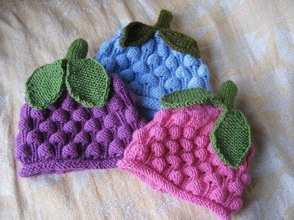 """Красивые шапочки для детей с узором """"шишечки"""". Схемы вязания шапок спицами для детей"""