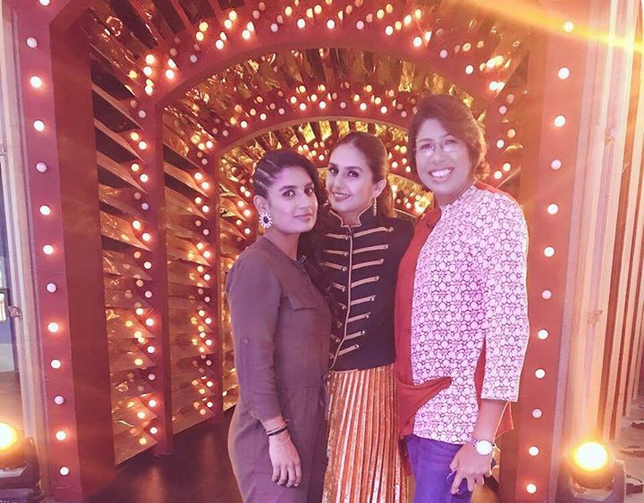 Mithali Raj & Jhulan Goswami with Bollywood actress Huma Qureshi during a recent event - http://ift.tt/1ZZ3e4d