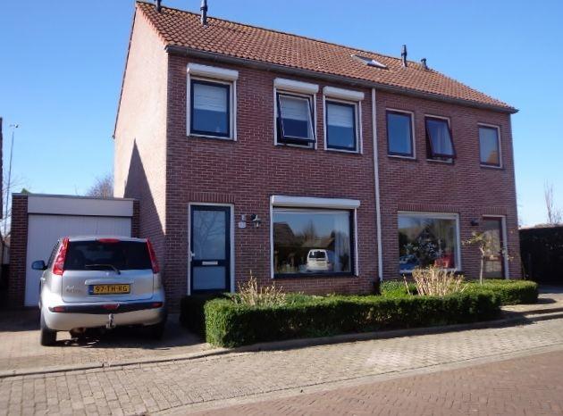 Bijna instapklare 2/1 kap woning met garage | kopen in Lewedorp, Zeeland  http://www.ismmakelaars.com/listings/bijna-instapklare-2-onder-1-kap-woning-met-garage/