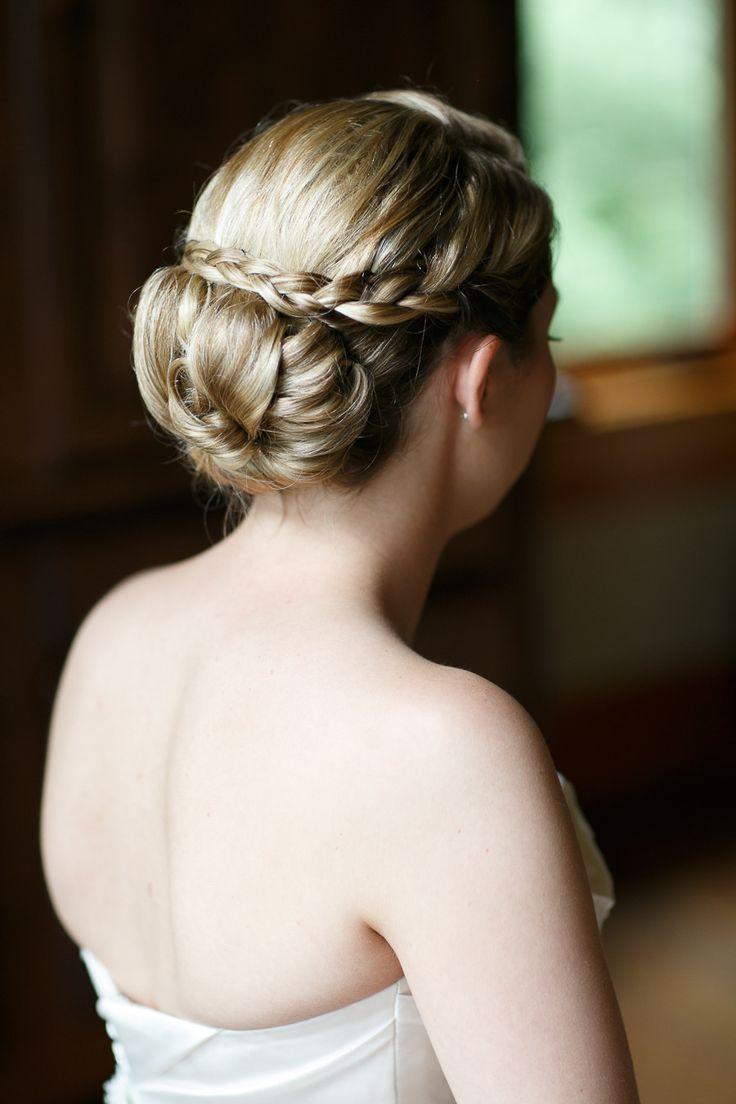 #Hairstyle | See the wedding on SMP:  http://www.StyleMePretty.com/illinois-weddings/wheaton/2013/12/11/cantigny-park-wedding/ Kina Wicks Photography