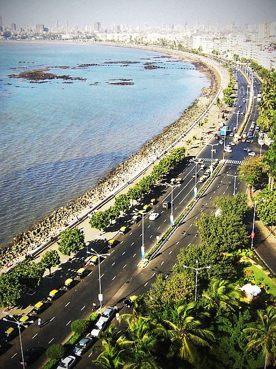 Mumbai Marine Drive sublimée par Pimagic, l'outil de retouche photos en ligne développé par Pikock