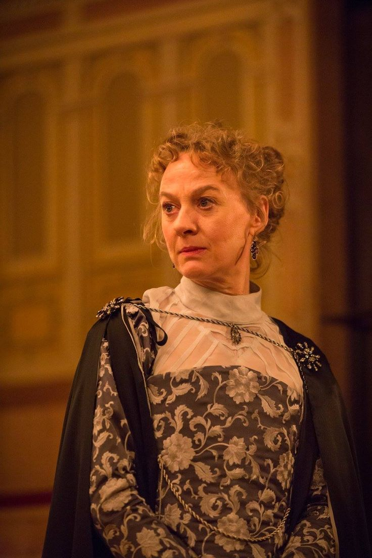 Niamh Cusack (Paulina) (Image credit: Marc Brenner) :Shakespeare's Globe