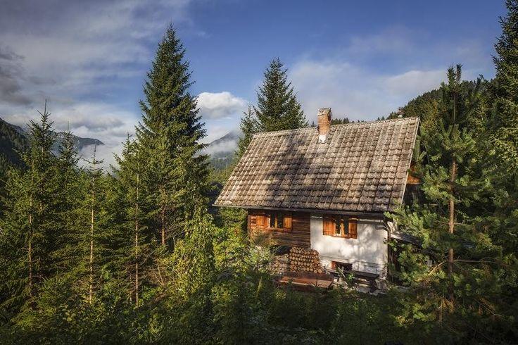 ROMANTIC CABIN apartment, Zgornje Jezersko, Slovenia.