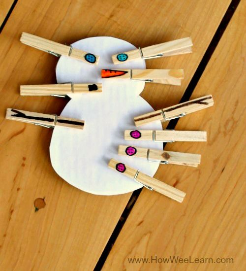 This crazy cute snowman activity builds fine motor skills, works on patterning, counting, problem solving, and creativity! www.HowWeeLearn.com