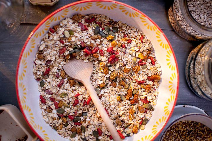Super vločková kaše se semínky, moruší a goji