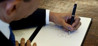 OBAMA SECRETLY SIGNING AWAY U.S. SOVEREIGNTY - This is very alarming and is not being discussed enough!!!