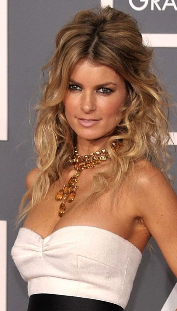 "8 Party Hairstyles For Wavy Hair. Def need ""the Kim bump"" for this one... @Marilyn McMullan McMullan Traub"