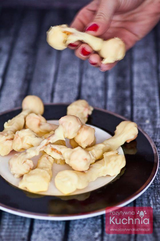 Słodkie kosteczki z białą #czekolada na #halloween  http://pozytywnakuchnia.pl/slodkie-kosteczki/  #przepis #kuchnia #dziecko