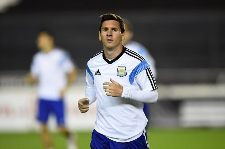 Leo Messi warms up during the AFA - Selección Argentina final training session, ahead of the 2014 FIFA World Cup, at Estadio Sao Januario.