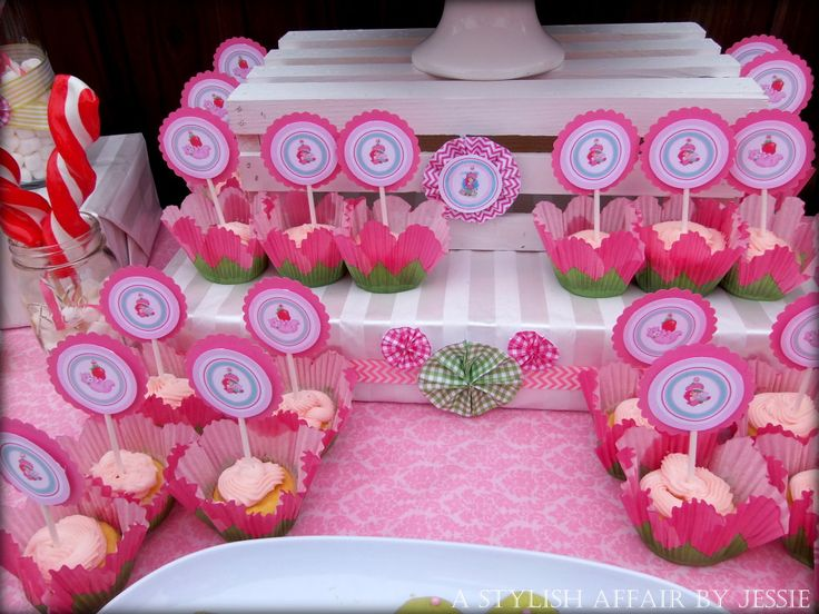 Strawberry Shortcake Cupcake Toppers - cute!
