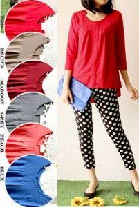 Sunny Blouse Bahan: Kaos Spandek, 6 warna: Merah, Coklat, Abu, Maroon, Peach, Biru Size: Fit L, Lebar dada/panjang: 48/65cm Kode Produk: T4907 Harga: Rp. 46.000