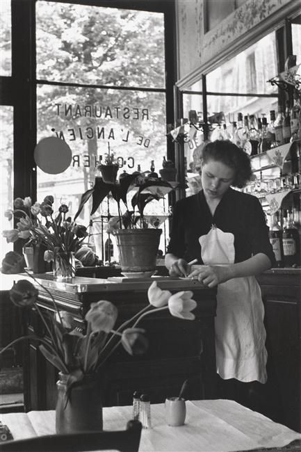 Restaurant de l'Ancien Cocher, Paris (Edouard Boubat, 1950)