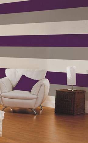Papel tapiz de rayas en VENTA. Morado, gris y blanco. Stripes wallpaper