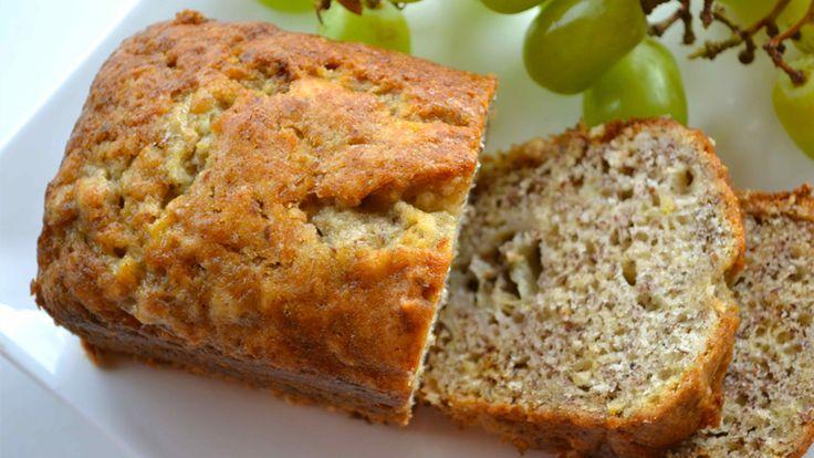 Ontdek hier meerdere overheerlijke koolhydraatarme brood recepten en een uitleg waarom je beter brood (grotendeels) kunt vermijden.