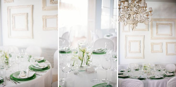 Wedding centerpiece in green - floating flowers and biscuits placeholder - http://www.fantasiaromantica.com   Wedding Destination Photographer: Florence   Europe | Martina   Fabrizio Wedding in a Tuscan villa | http://www.tastino0.it