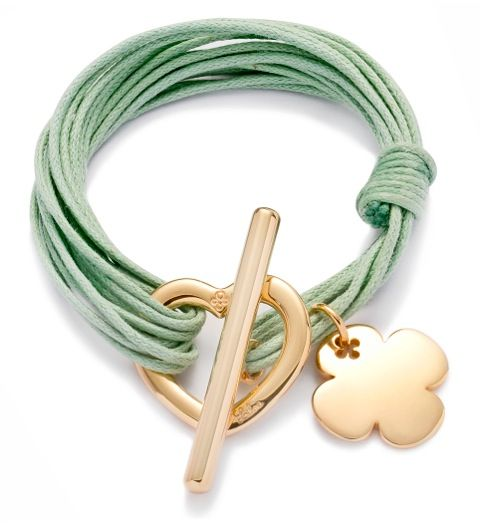 The iconic cloverleaf by Lilou is also a autumnal accessory! On a bracelet Amour Amour: 79£ #lilou #cloverleaf #autumnal #bracelet #Amour