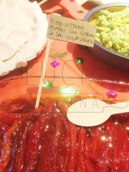 Pimentones asados (y pelados) con sal maldon y aceite de oliva virgen http://luciacocinabogota.blogspot.com/2014/05/evento-arma-tu-propio-sandwich.html