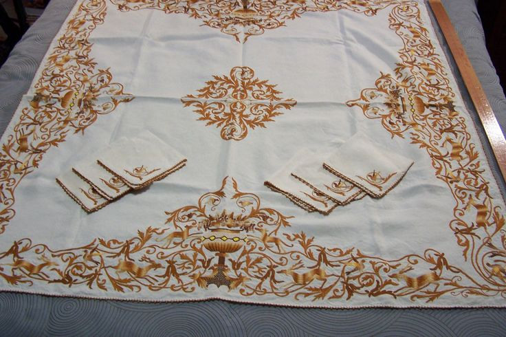 """Heavily Embroidered 48"""" Square Linen Tablecloth 6 Napkins Stags Hounds Birds   eBay"""