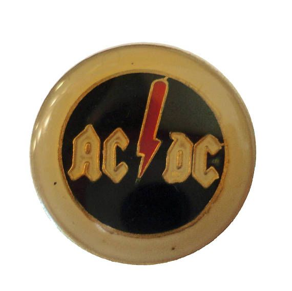ThE RoLLiNG SToNES UK TOUR STaFF 661 Vintage Button badge pin PROMO Tongue Lips Concert Roadie Road Crew