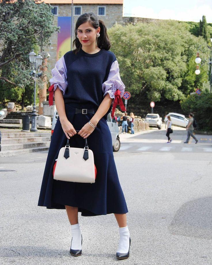 Giulia 🇮🇹💜🇯🇵 @marzari.giulia Buon inizio di settimana 😘💕 ・ Outfit: @ki6whoareyo... | Yooying