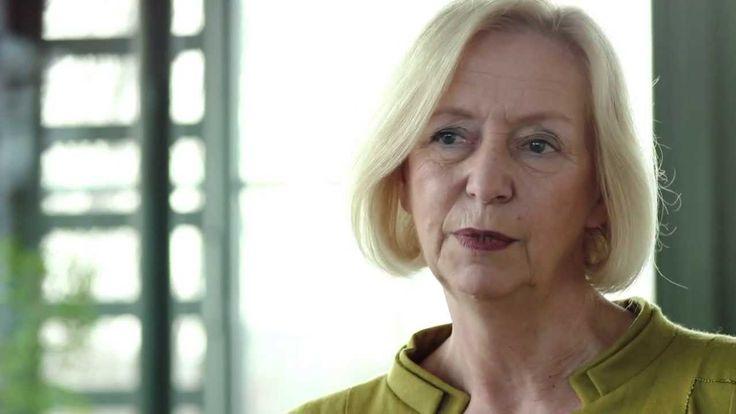 Prof. Dr. Johanna Wanka (Mathe) - Wissenschaftsministerin des Jahres 2014  http://www.hochschulverband.de/cms1/ministerindesjahres2014.html https://www.youtube.com/watch?v=fDeiQRu787w http://www.huffingtonpost.de/2014/02/17/johanna-wanka-wissenschaftsministerin-des-jahres_n_4801651.html