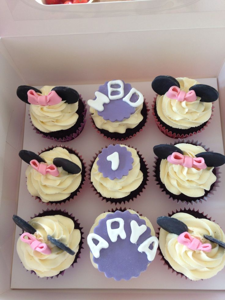 Minnie Mouse Cupcakes for first birthday