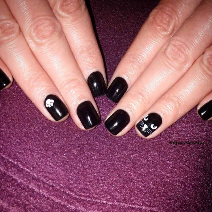 black nails~nailart~handmadenails~cat nails~paw