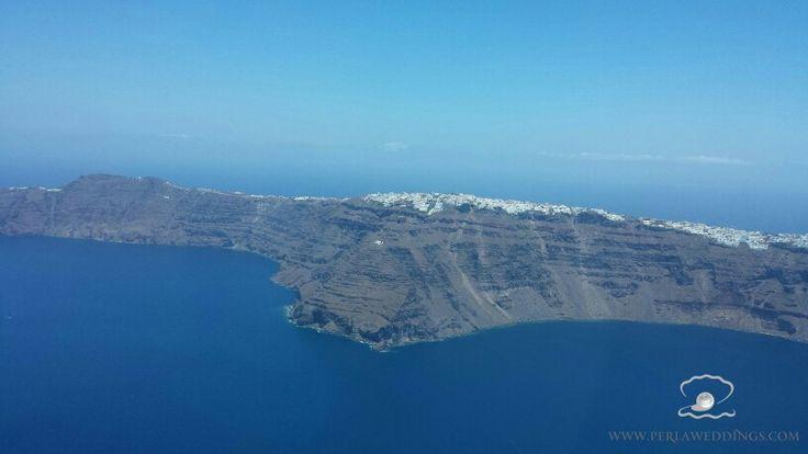 Santorini's breathtaking view from above.....  esperas-santorini.com