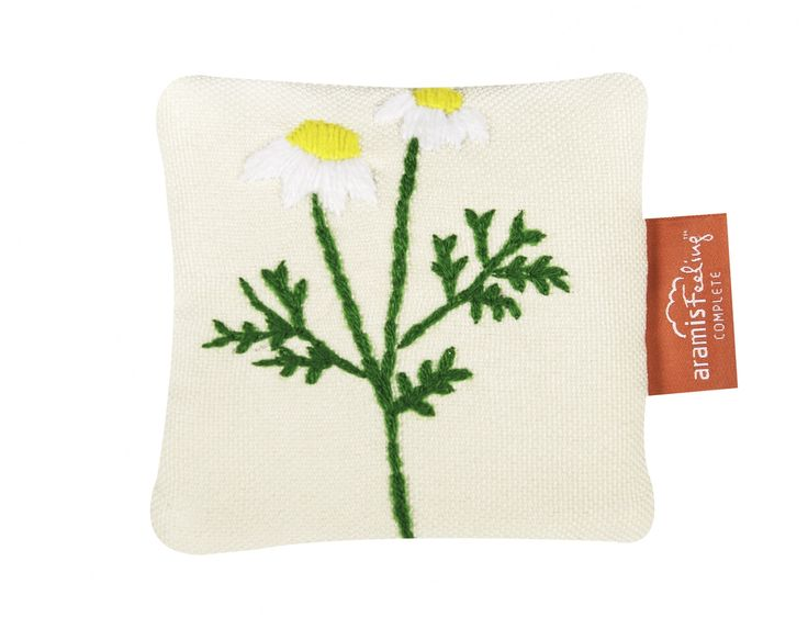 Chamomile sachet - hand embroidery and natural plant inside #sachet #nature #chamomile #calm #relaxing #sleep #handembroidery #perfect #gift