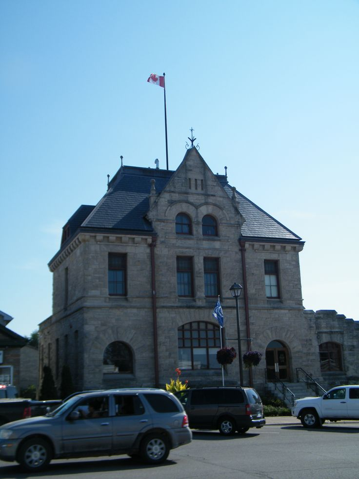 Goderich Town Hall was built in 1890.  Romanesque Architecture by Thomas Fuller has a slate mansard roof, rusticated cut stone exterior, finials and dormer windows.  North Country Unfading Black slate