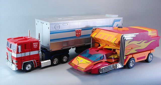 Transformers Masterpiece MP-10 Convoy (Optimus Prime) with MP-09 Rodimus Convoy (Rodimus Prime)