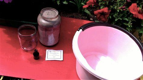Ингредиенты для подкормки: зола, борная кислота, йод