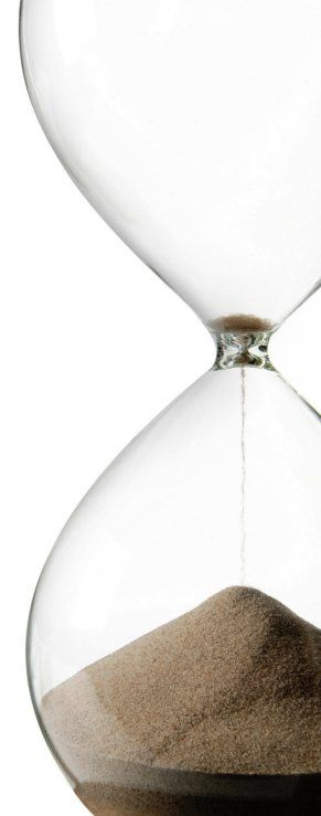 minimalist hourglass. kinda want one as an analog tool for time management discipline. write or practice guitar until the sand runs out. etc.