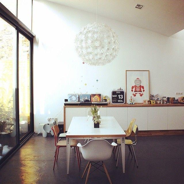 Lovely loft-like dining space / Via Notreloft's Instagram