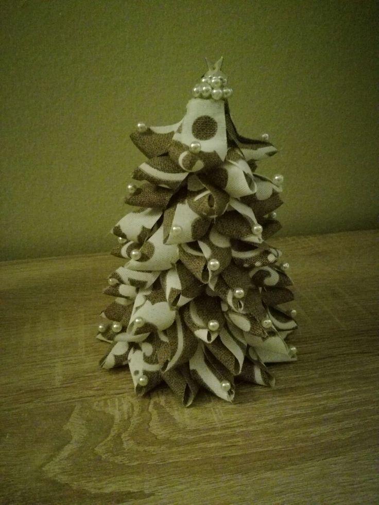 """Albero di Natale """"stoffa e perline"""""""