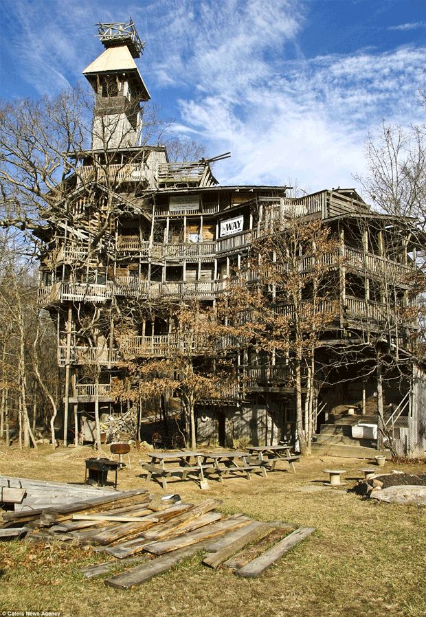 Minister's Tree House  in Crossville, Tenessee