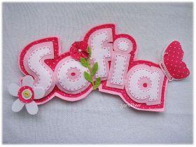 Para o aniversário da Sofia a tia babada quis oferecer-lhe uma prenda especial. Esta é mesmo especial, mesmo ao gosto dela, toda rosinha... ...