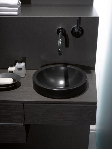 17 beste idee n over zwarte wastafel op pinterest keuken styling zwevende planken keuken en - Deco toilet zwart ...